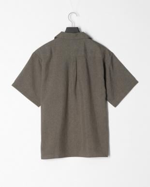 カーキ ポリトロ両ポケオープンシャツを見る
