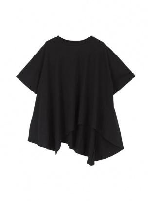 ブラック ランダムヘムフレアTシャツを見る