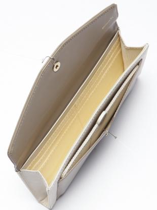 アイボリー 長財布フラップを見る