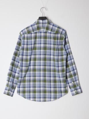 緑系チェック シャツを見る