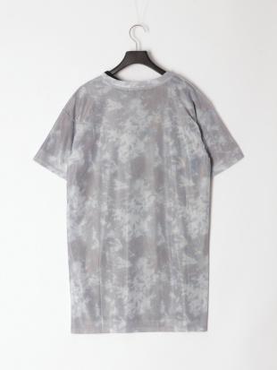グレー ツインセットタイダイメッシュTシャツを見る