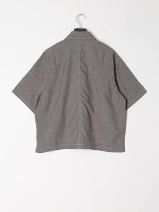 グレー ポリトロステッチシャツを見る