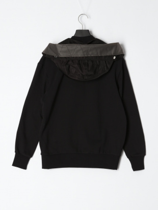 900 Sweatersを見る