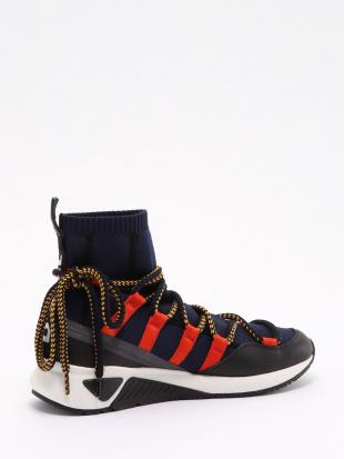 H6869 Sneakersを見る