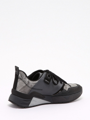 T8013 Sneakersを見る