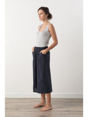 dark blue wide pantsを見る