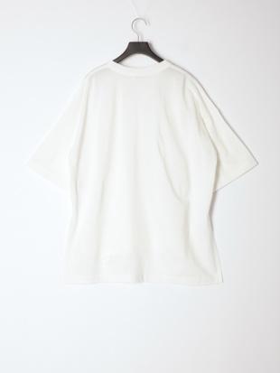 オフホワイト ビッグTシャツを見る