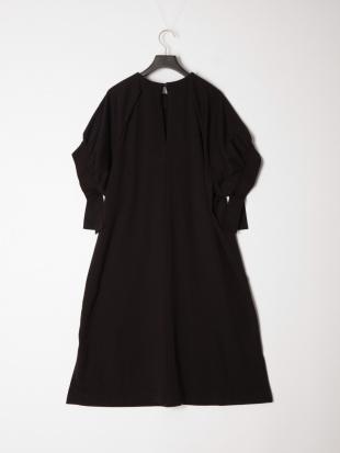 ブラック ミニ裏毛ギャザースリーブドレスを見る