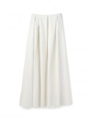 ホワイト ランダムタックデニムスカートを見る