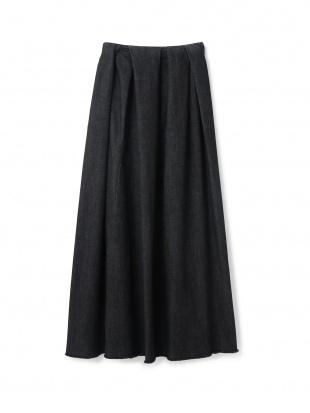 ブラック ランダムタックデニムスカートを見る