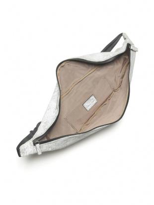 ベージュ KUBERA reflector waist bag (Large)を見る
