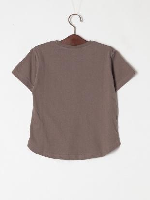 チャコール 半袖ロゴTシャツを見る