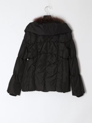 黒 コートを見る