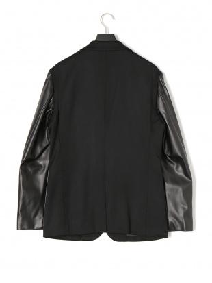ブラック 異素材切替 ピークドラペル テーラードジャケットを見る