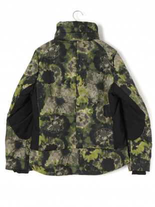 カーキグリーン プリント ダブルジップ 中綿入 フード ジャケットを見る