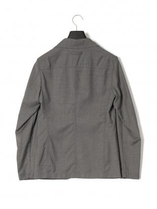 グレー シングル ジャケットを見る