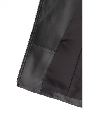 ブラック シープレザーライダースジャケット PINKY & DIANNEを見る
