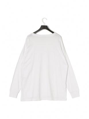ホワイト ラウンドヘム 長袖Tシャツを見る