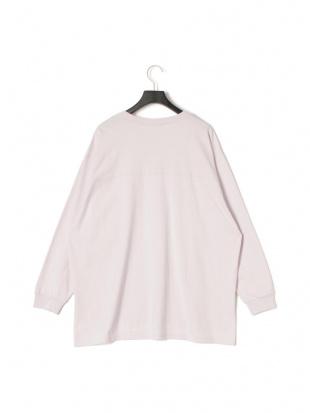 ピンク ボックス 長袖Tシャツを見る
