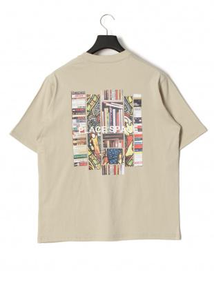 ベージュ プレイス プリント 半袖Tシャツを見る