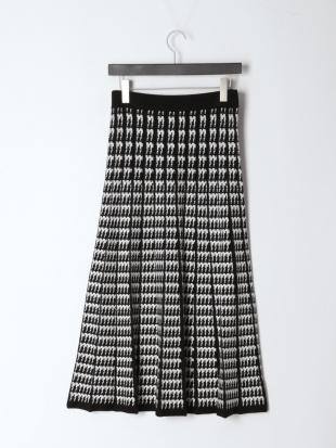 ブラック 12G幾何柄ジャカードニットスカートを見る