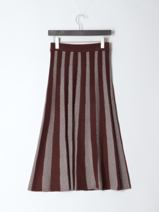 ブラウン 12G配色ヘリンボーンニットスカートを見る