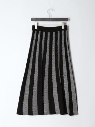 ブラック 12G配色ヘリンボーンニットスカートを見る