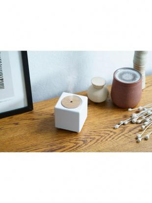 ホワイト 充電式コードレス加湿器「キュービック」を見る