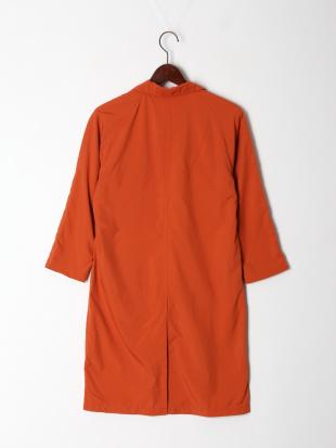 オレンジ ポリエステルマルチ コートを見る