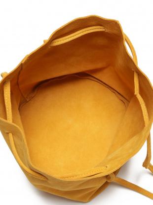 イエロー スエード 巾着バッグを見る