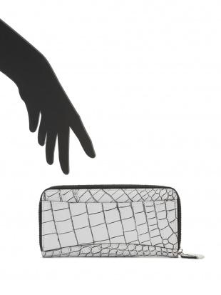 ホワイト/ブラック クロコダイルレザー ラウンドジップ 長財布を見る