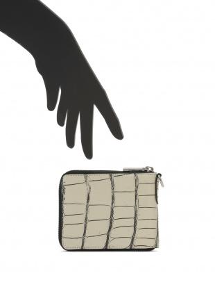 バニラ クロコダイルレザー ラウンドジップ財布を見る