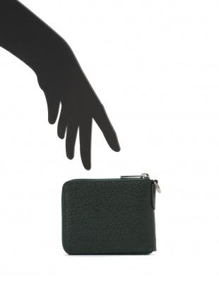 グリーン/ブラック シャークレザー 日本鞣し染色 ラウンドジップ 二つ折り財布を見る