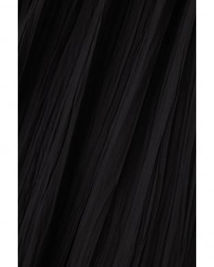 ブラック FLOWINGプリーツロングブラウス アドーアを見る