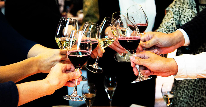食欲の秋!じっくり味わいたい赤ワイン